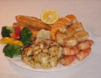 Broiled Super Deluxe Seafood Combo